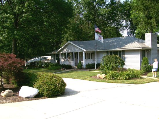 1327 Meadowbrook Blvd, Stow, OH 44224