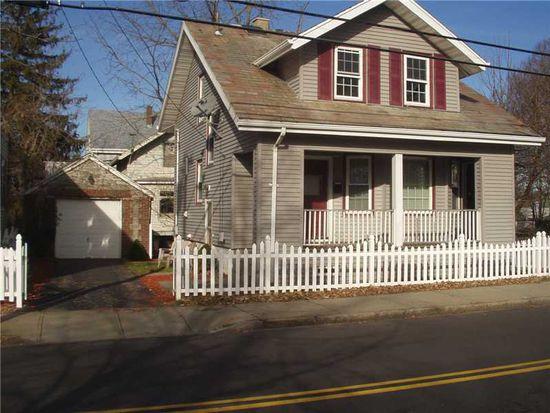 82 Van Zandt Ave, Newport, RI 02840