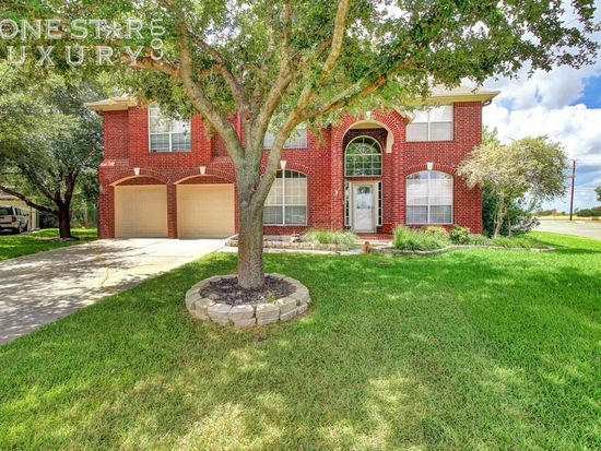 104 S Carriage Hills Dr, Georgetown, TX 78626