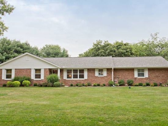 4004 Willowood Dr, Lafayette, IN 47905