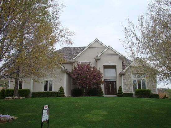 3613 Saddle Ridge Dr, Independence, MO 64057