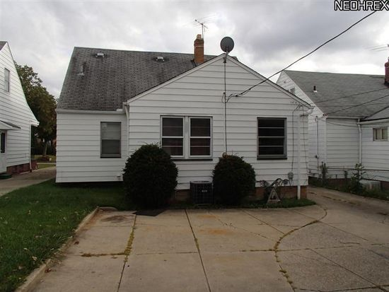 4033 Stonehaven Rd, South Euclid, OH 44121