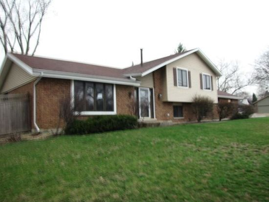 7041 Main St, Downers Grove, IL 60516