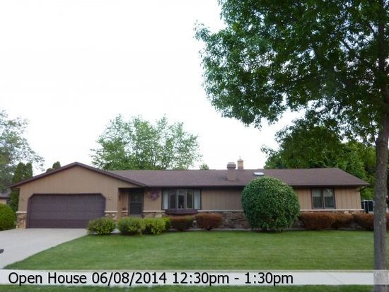 1233 E Meadow Grove Blvd, Appleton, WI 54915