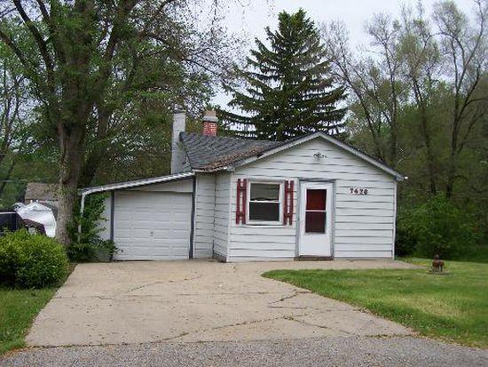 7428 Maple Dr, Wonder Lake, IL 60097