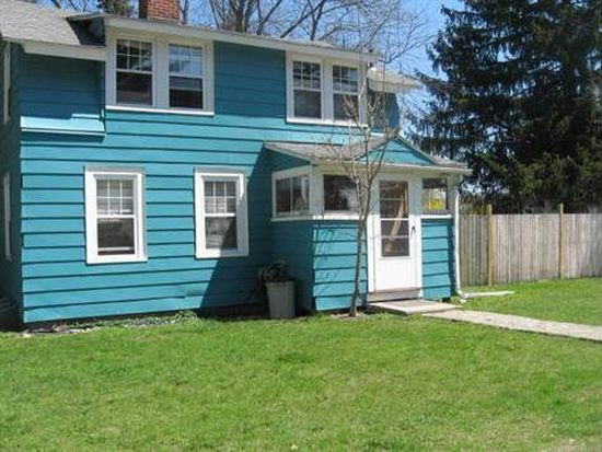 17 Constitution Rd, Pittsfield, MA 01201