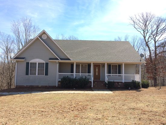 2181 Twin Lake Dr, Bedford, VA 24523
