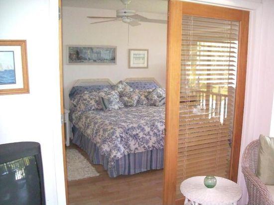 12 Anchor Dr, Key Largo, FL 33037