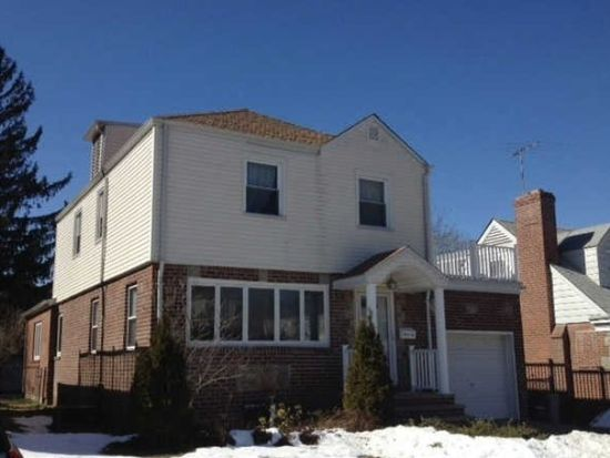 7916 213th St, Flushing, NY 11364