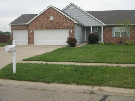 7192 Country Walk Dr, Franklin, OH 45005