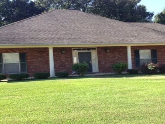 136 Navajo Cir, Clinton, MS 39056