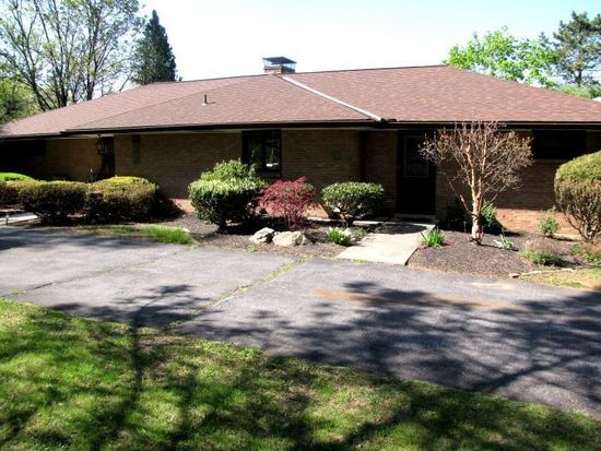 55 Spring Valley Rd, Easton, PA 18042