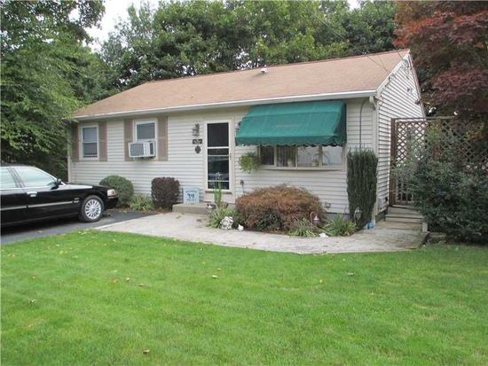 33 Old Phenix Ave, Cranston, RI 02921