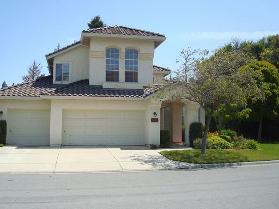 17631 Winding Creek Rd, Salinas, CA 93908