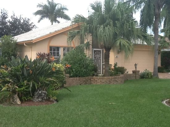 1811 Corona Del Sire Dr, North Fort Myers, FL 33917