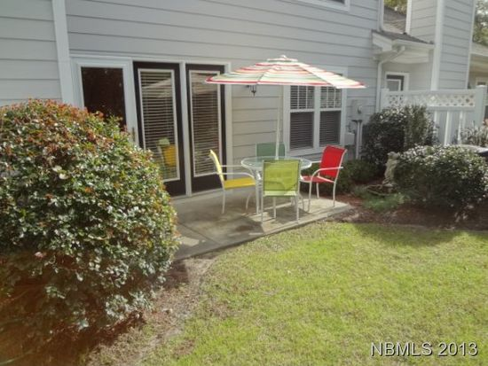 102 Jasmine Ct, Morehead City, NC 28557