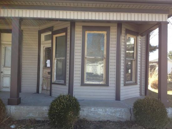 165 W 3rd St, Frazeysburg, OH 43822