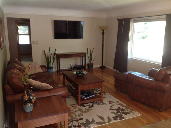3801 Crestwood Rd, Des Moines, IA 50310