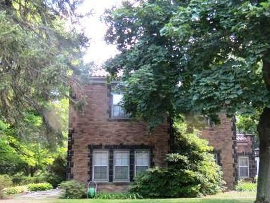 279 Gypsy Ln, Youngstown, OH 44504