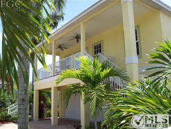 241 Pearl St, Fort Myers Beach, FL 33931