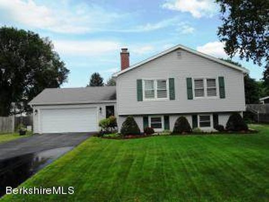 31 Winesap Rd, Pittsfield, MA 01201