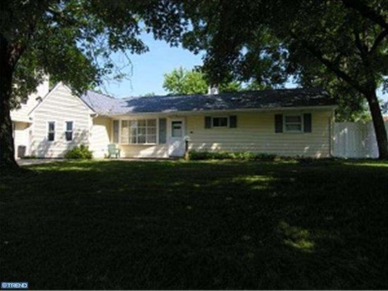 717 Auburn Rd, Fairless Hills, PA 19030