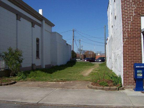 214 W Main St, Washington, NC 27889