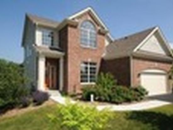 21 Sugar Maple Ct, Lake In The Hills, IL 60156