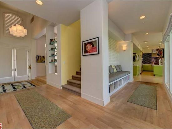 1419 Chastain Pkwy W, Pacific Palisades, CA 90272
