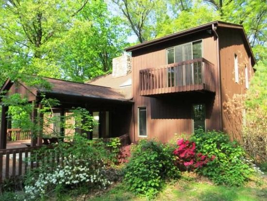 5540 W Valley Rd, Center Valley, PA 18034