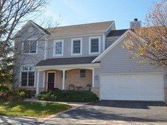 1 Laurel Valley Ct, Lake In The Hills, IL 60156