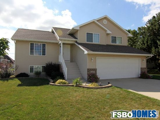 4806 Winghaven Dr, Waterloo, IA 50701