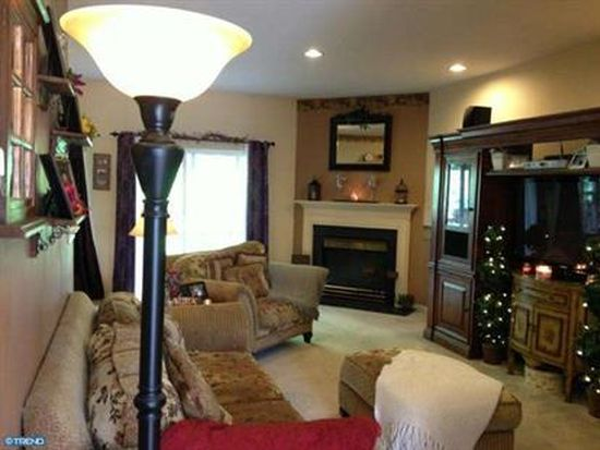 947 Shenkle Dr, Collegeville, PA 19426