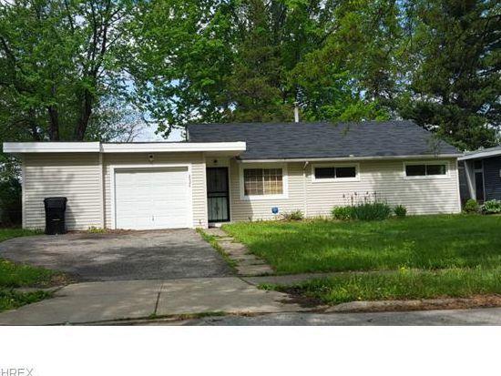 2024 Ridgehill Rd, Cleveland, OH 44121