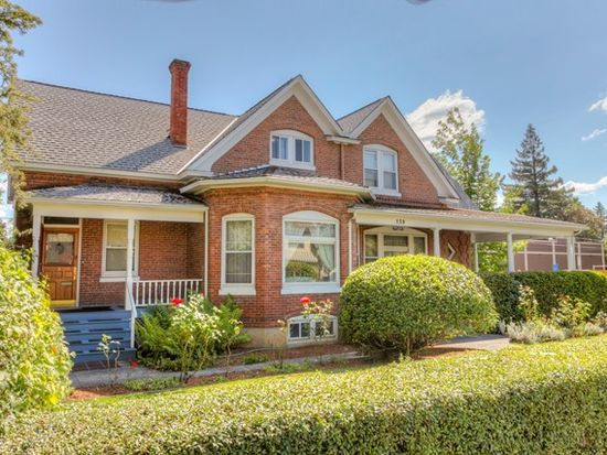 139 SW I St, Grants Pass, OR 97526