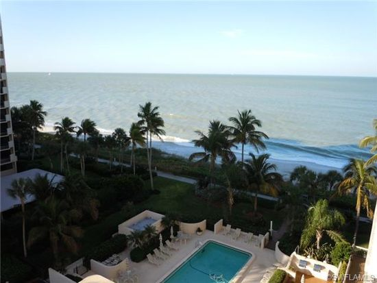 4005 Gulf Shore Blvd N APT 702, Naples, FL 34103