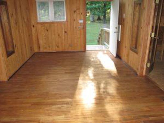 912 Paint Bank Rd, Salem, VA 24153