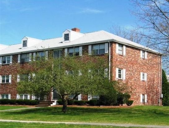 78 Edgelawn Ave APT 12, North Andover, MA 01845