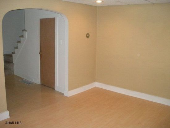 215 Walnut Ave, Altoona, PA 16601