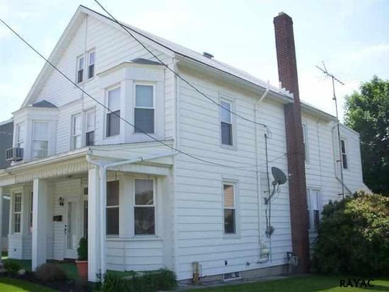 146 W High St, Red Lion, PA 17356