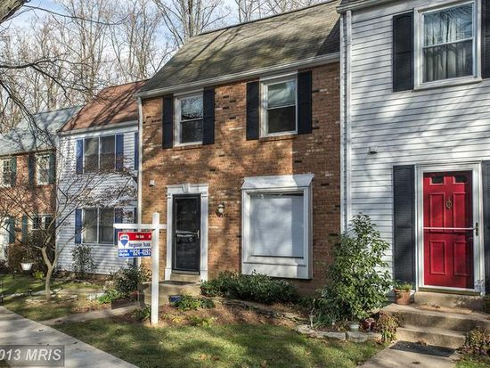 2943 Ellenwood Dr, Fairfax, VA 22031
