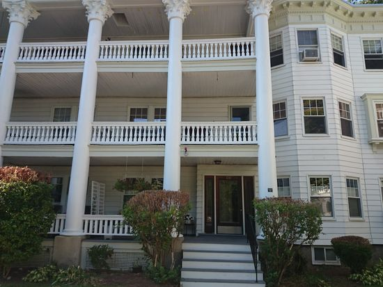 138 Middlesex Rd APT 3, Chestnut Hill, MA 02467