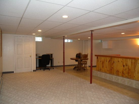20 Rounds Dr, Peru, NY 12972