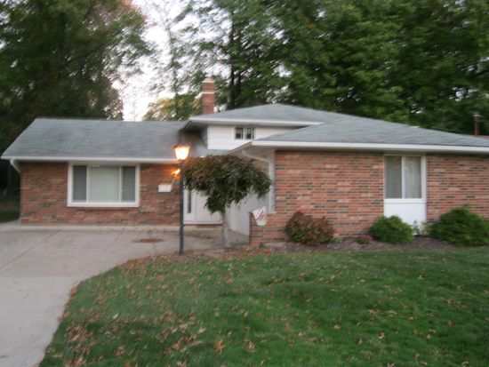 4167 Brendan Ln, North Olmsted, OH 44070