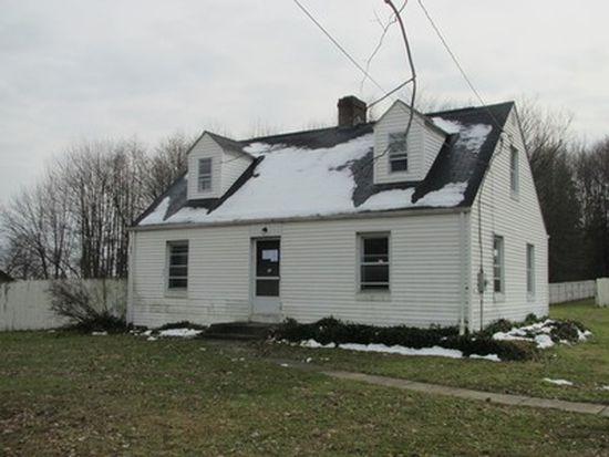 6151 Mccartney Rd, Lowellville, OH 44436