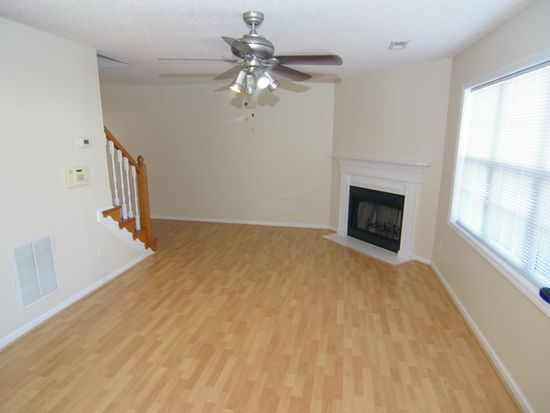 3909 Sterling Pointe Dr UNIT HH2, Winterville, NC 28590