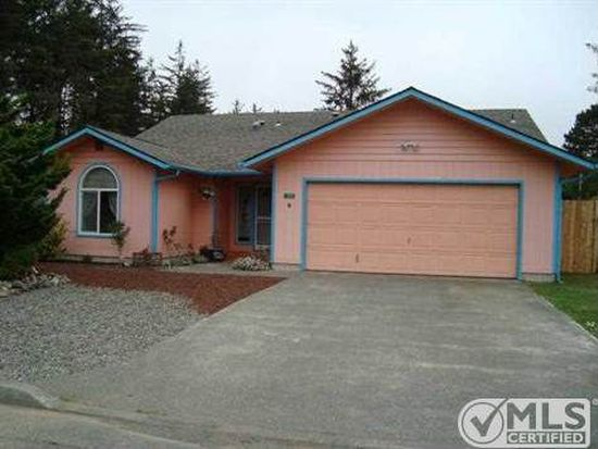 100 Willow Glen Ct, Crescent City, CA 95531