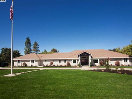 5721 Victoria Ln, Livermore, CA 94550