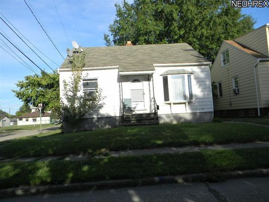 4009 E 27th St, Newburgh Heights, OH 44105