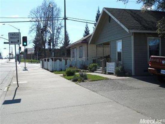 448 S Yosemite Ave, Oakdale, CA 95361